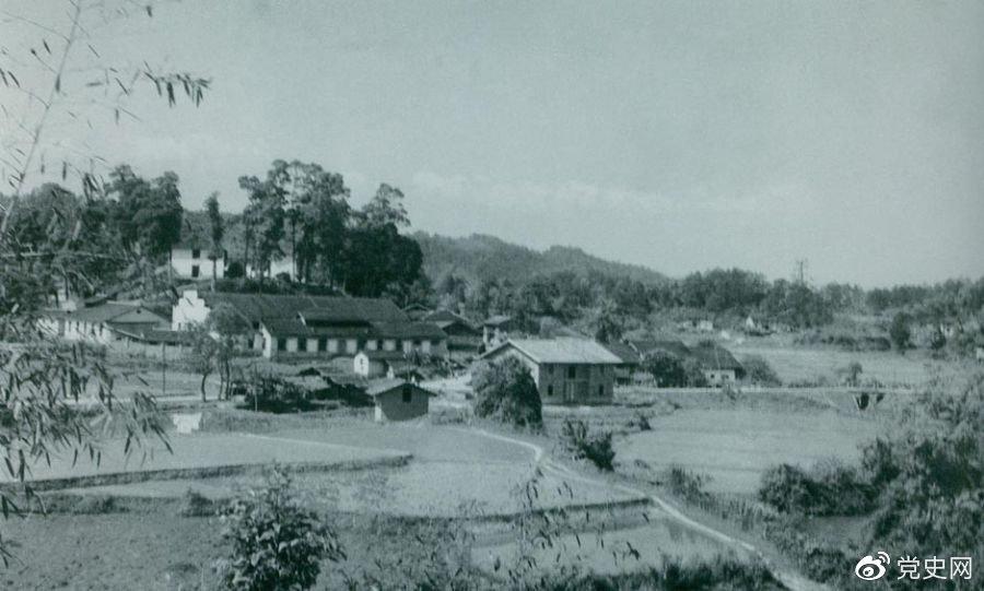 1934年8月,任弼时等率红六军团9700余人,从横石和新江口出发,开始西征。图为江西遂川县横石。